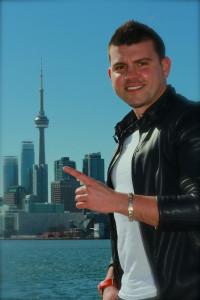 DJ Alejo ver pointing 1