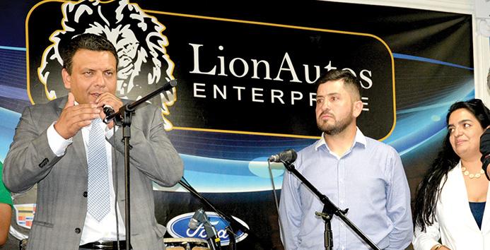 Leonardo Cataño lidera una empresa familiar