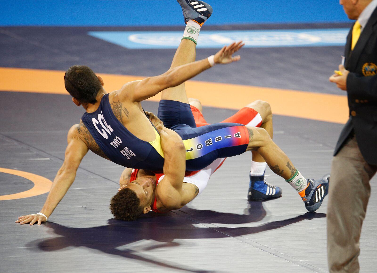 Luchadores en acción