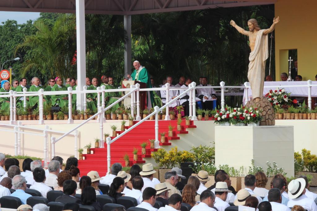 Cuba escuchó el mensaje humano, de reconciliación, misericordia y servicio de Francisco. Foto Freddy Velez