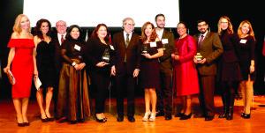 Algunos de los patrocinadores y colaboradores del premio con Almagro