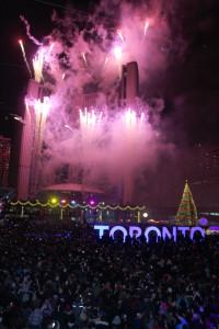 Momentos emotivos con el lanzamiento de los fuegos artificiales.