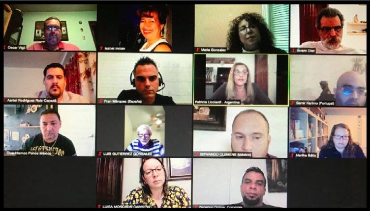 Escritores de Iberoamérica resaltan ventajas de la literatura en medios digitales
