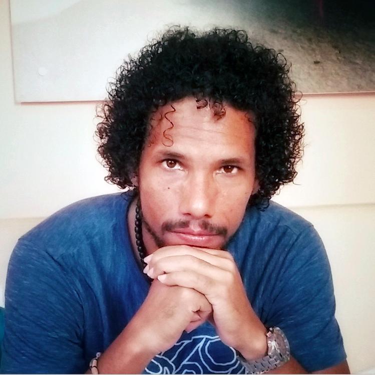 Cuando escribo, nada humano me es ajeno, asegura narrador cubano Nguyen Peña Puig