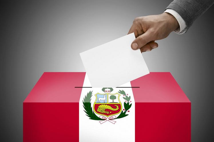 La peruana Carmen Miloslavich niega que haya habido irregularidades en presidenciales de Perú