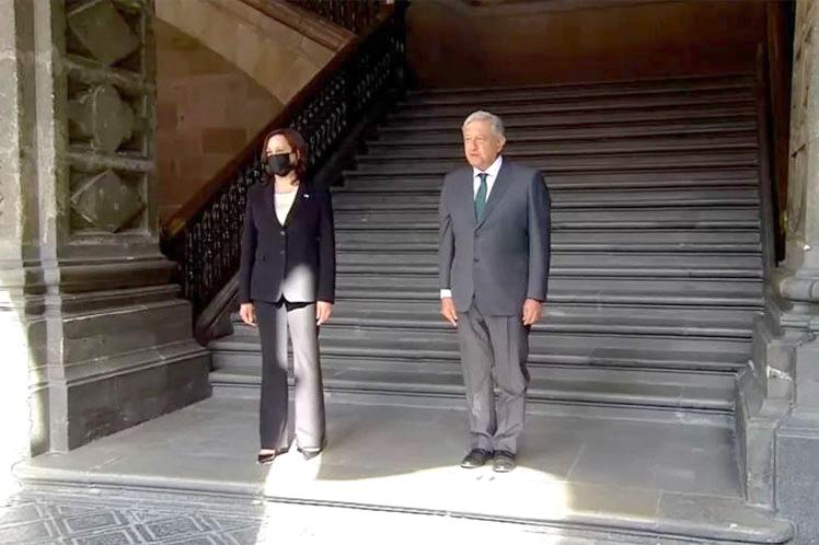 Kamala Harris termina visita a México con promesas migratorias