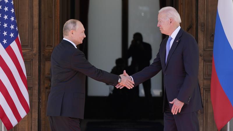 Biden y Putin califican de positiva su reunión en Ginebra