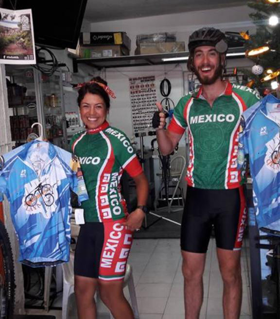 Jacqueline Díaz: viajó en bicicleta de Canadá a México