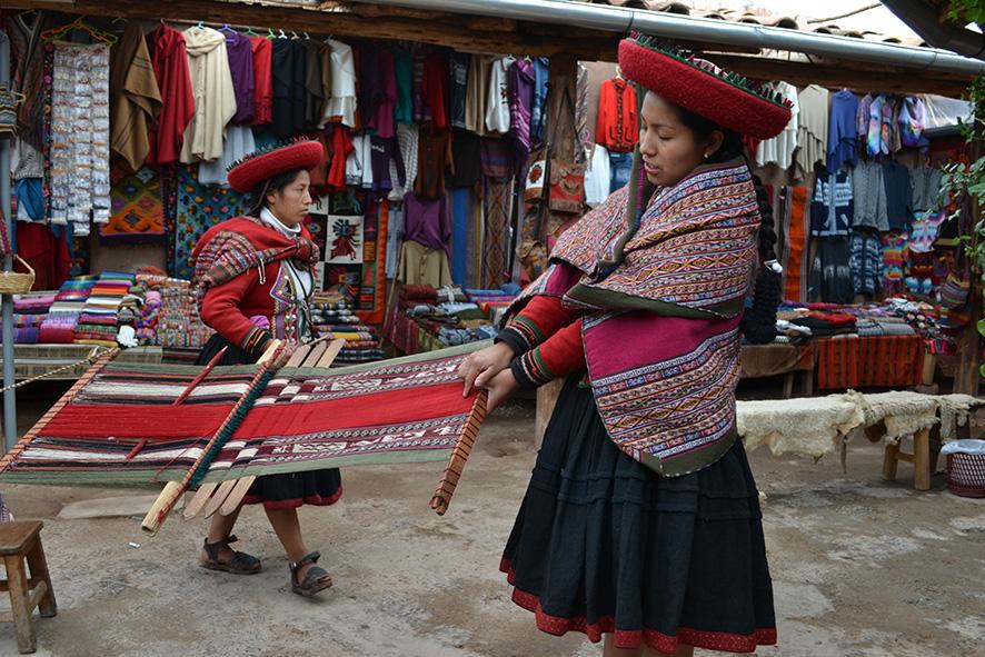 Destacan compromiso de incluir más mujeres en gobierno de Perú