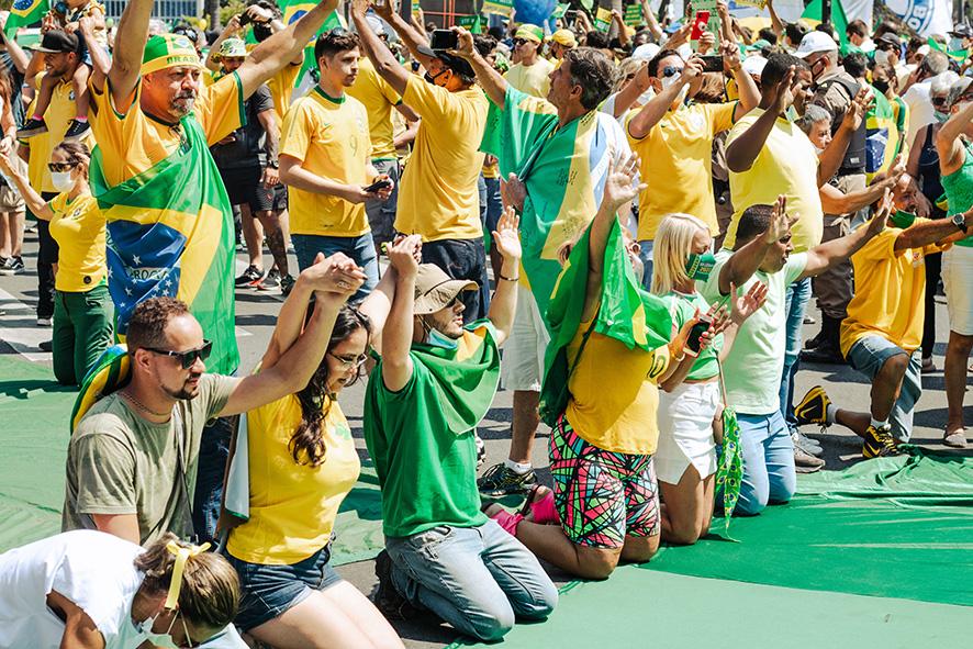 Bolsonaro to privatize PETROBRAS oil company in Brazil
